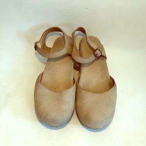 Dansko Beige Sandal Clog Women's Size 40